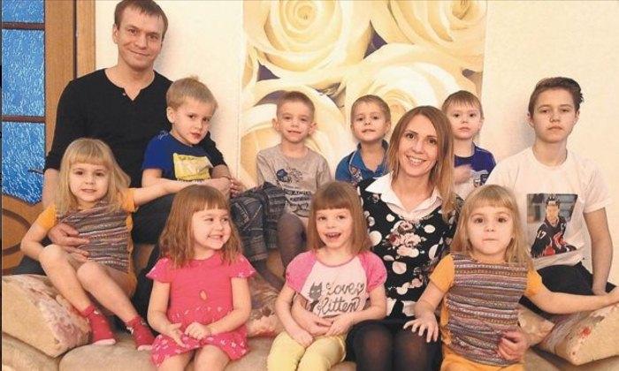 Девятеро детей в семье Кудрявцевых.