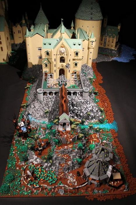Алисе Финч понадобиля год на то, чтобы собрать точную копию Хогвартса из кубиков LEGO