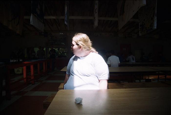Тинейджеры приезжают в лагерь в надежде похудеть