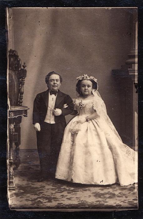 Роскошная свадьба лилипутов.
