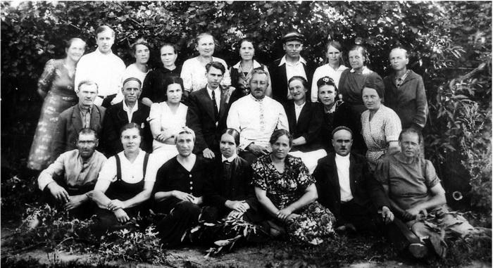 Сотрудники Ленинградского зоопарка