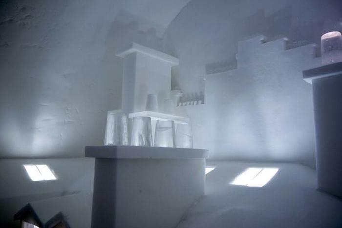 Монмартр изо льда в отеле Icehotel