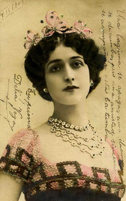 Открытки с изображениями Лины Кавальери продавались миллионными тиражами