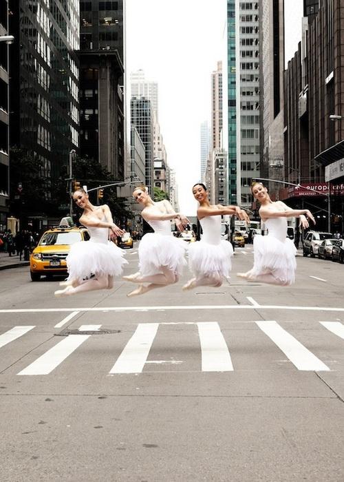 Балерины на городских улицах. Фотопроект от Lisa Tomasetti