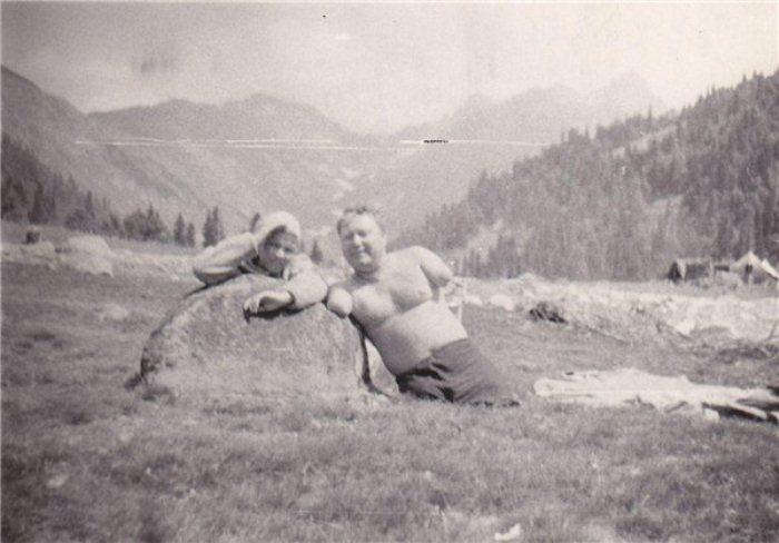 Супруги Лобачевы во время отдыха на Кавказе.