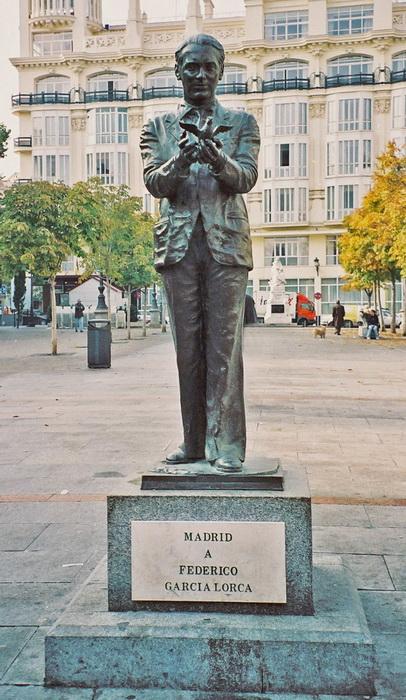 Памятник Федерико Гарсиа Лорке в Мадриде. Фото: encyclopedia.am