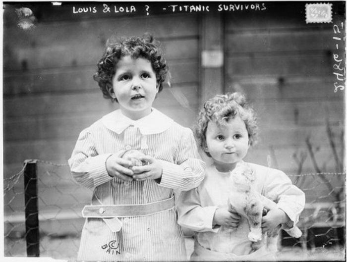 Фотография выживших детей.