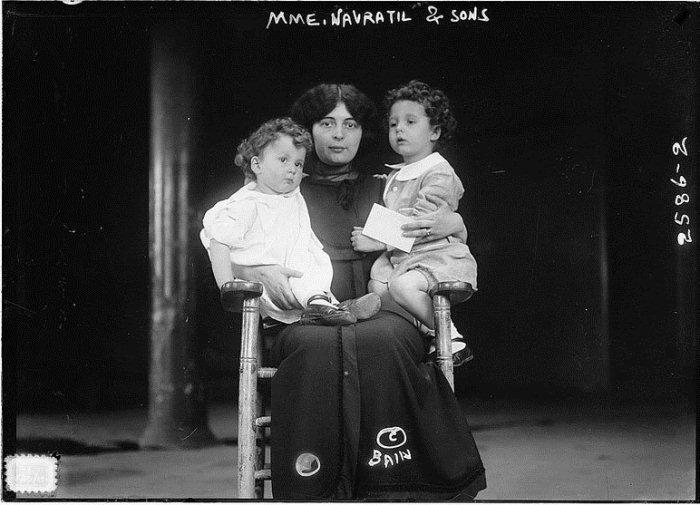 Воссоединение семьи: Марчелла Навратиль с сыновьями.