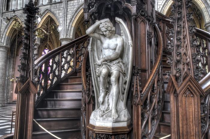 Люцифер, установленный сегодня в Льежском соборе