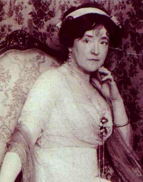 Люсиль - первая профессиональная модельер