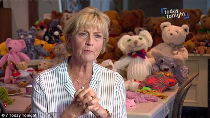 Линн Моррис рассказывает журналистам о своем проекте.