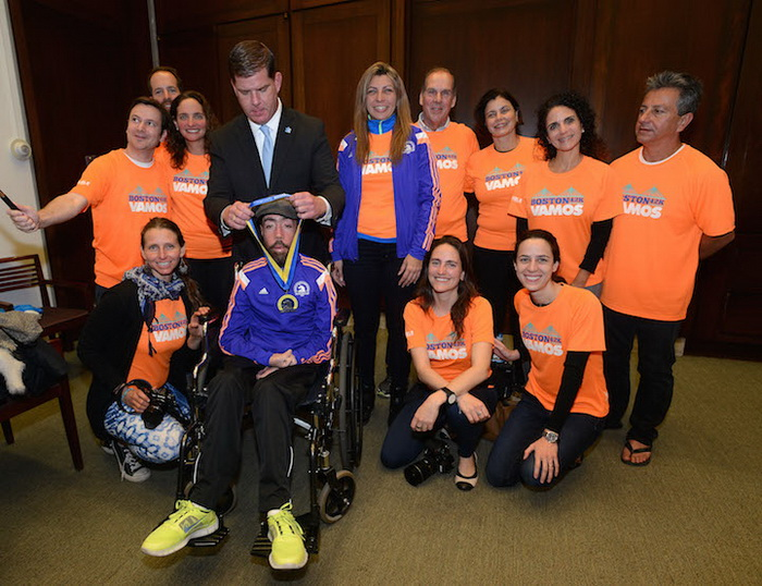 Майкл Меламед награжден медалью за участие в Бостонском марафоне