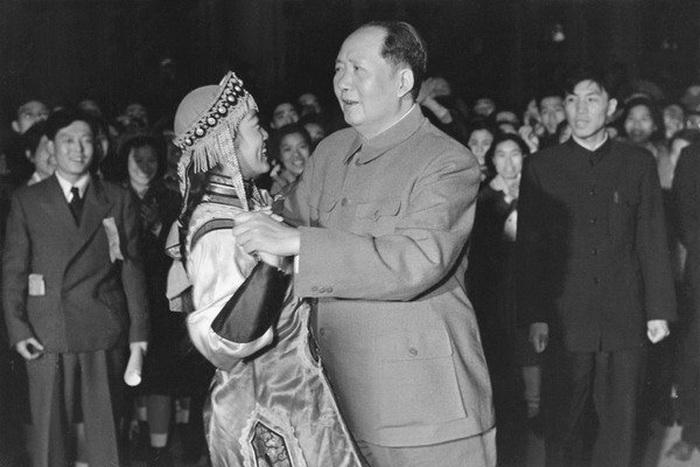 Мао Цзэдун - большой любитель женщин