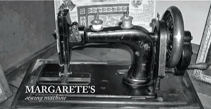 Первая швейная машинка Маргарет Штайф, которой девушка управляла левой рукой
