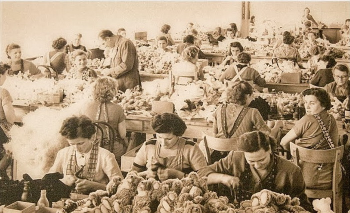 Фабрика по производству плюшевых медведей