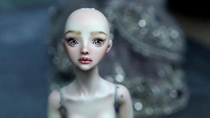 Кукла, созданная в поддержку онкобольных женщин