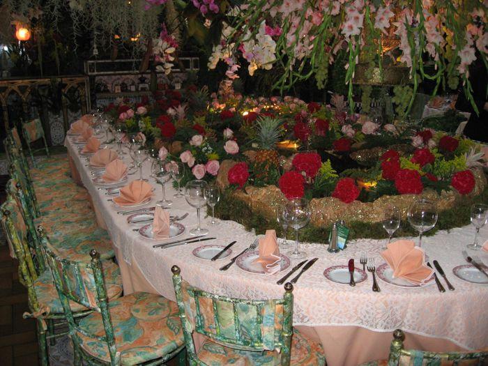 Обилие цветов - визитная карточка ресторана Mas Provencal