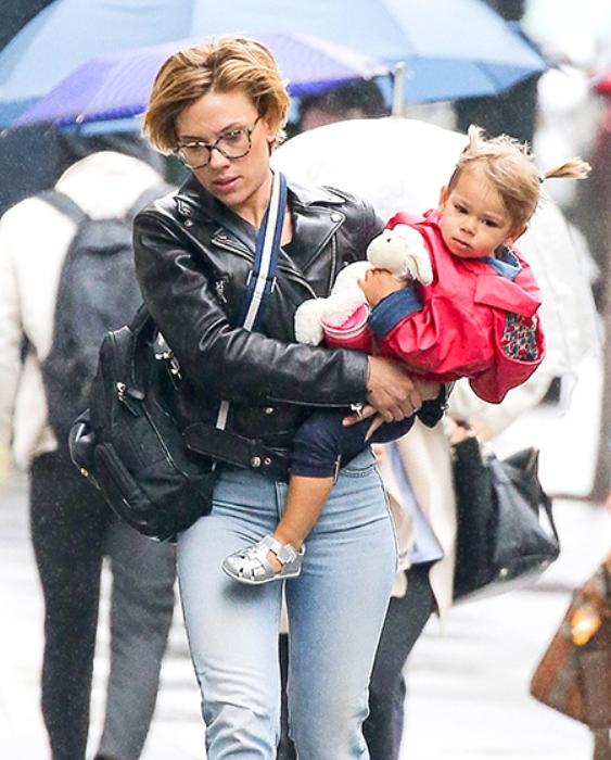 Скарлетт Йоханссон с дочерь Роуз. Фото: HELLO.ru