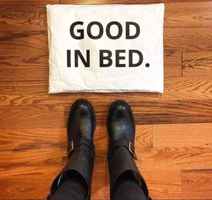 Пост с благодарностью фирме, приславшей сапоги в упаковке с надписью *Хороша в постели*.