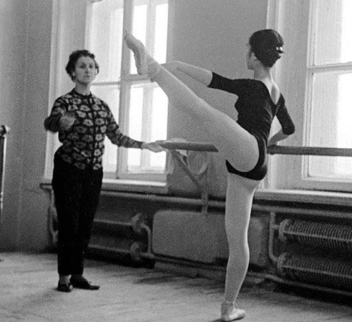Суламифь Мессерер (слева) и японская танцовщица Хомма Еко (справа) на репетиции. Фото: Jewishnews.com.ua