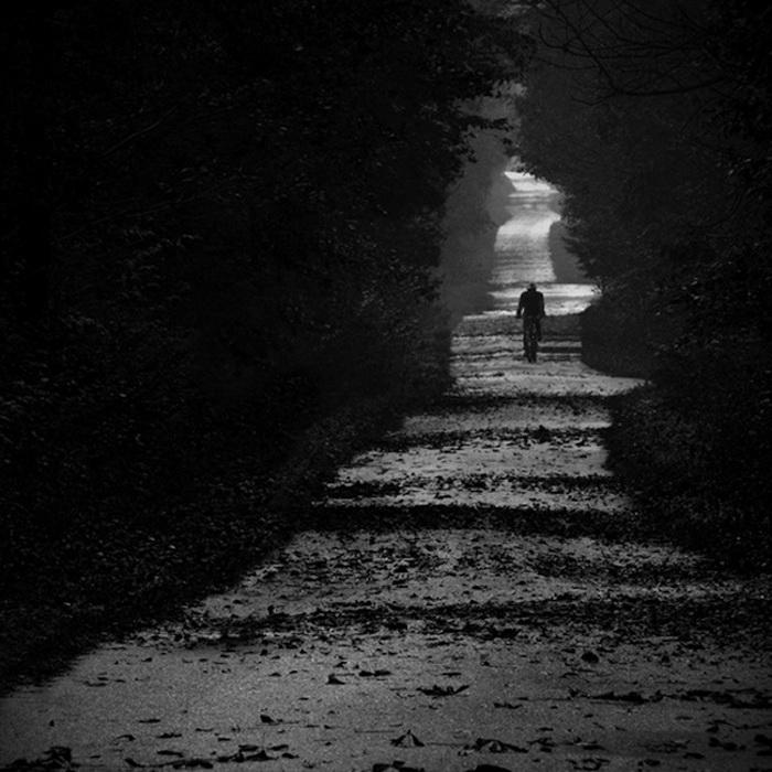 черно-белое одиночество фото