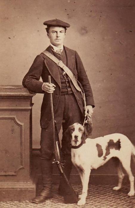 Ги де Мопассан с собакой