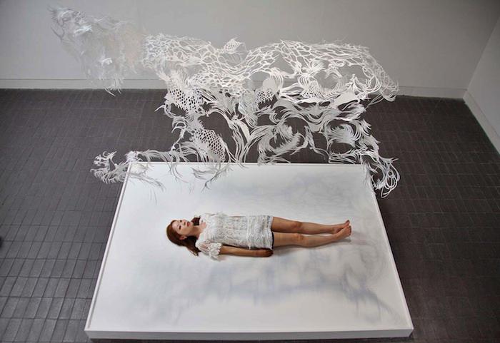 Бумажная инсталляция Byaku от японской художницы Nahoko Kojima