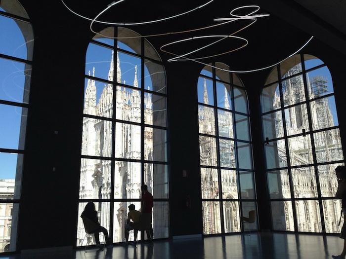 Фотография Собор Дуомо в Милане из окна музея современного искусства от Kathryn Schipper