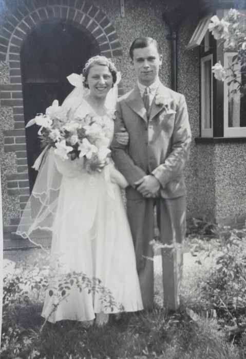 Свадебное фото Нелли и ее первого мужа Роберта Канна, церемония состоялась 18 июля 1935 года