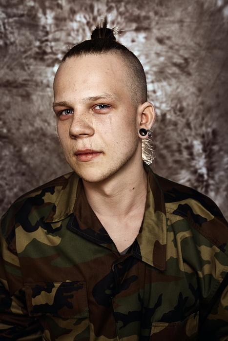 Мужчины тоже плачут: фотоцикл о литовских парнях, которые не хотят идти в армию