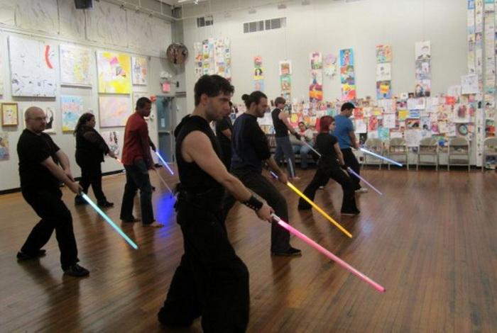 Занятия в клубе джедаев  не только укрепляют тело, но и воспитывают силу духа