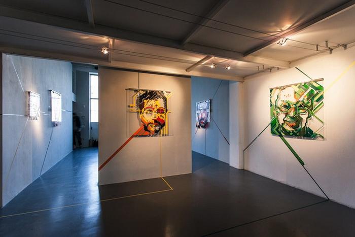 Работы художника No Curves можно увидеть и на рекламных плакатах, и в картинных галереях