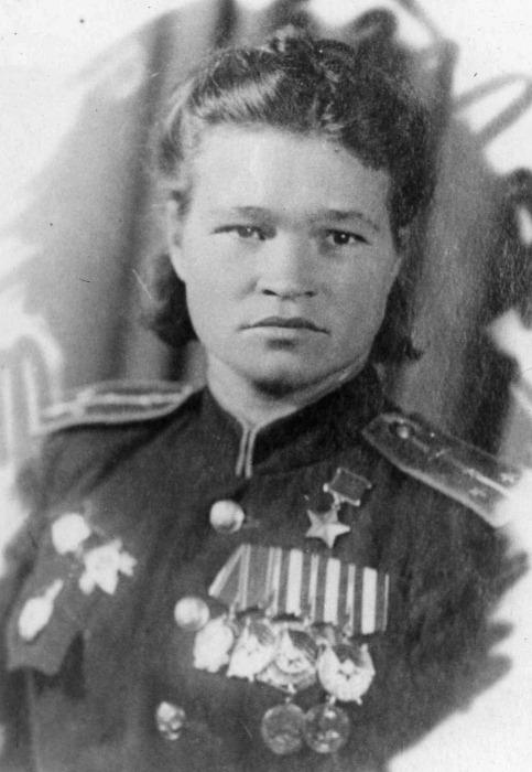 Легендарная летчица Ирина Себрова. Фото: warheroes.ru