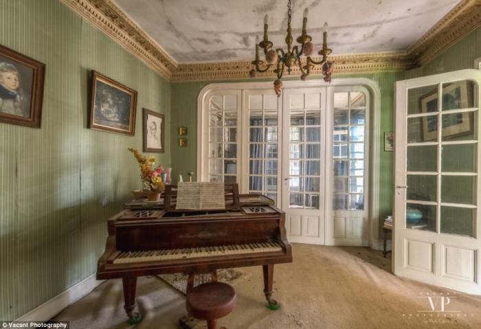 Комната для музицирования.