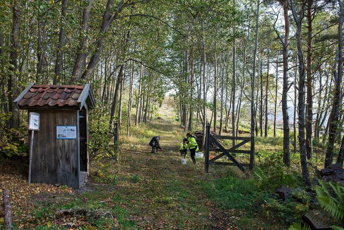 Волонтеры восстановили ворота и гауптвахту.