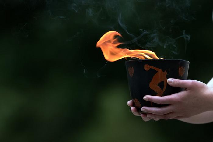 Олимпийский огонь для ХХХ Летних Олимпийских Игр в Лондоне зажгли в Олимпии