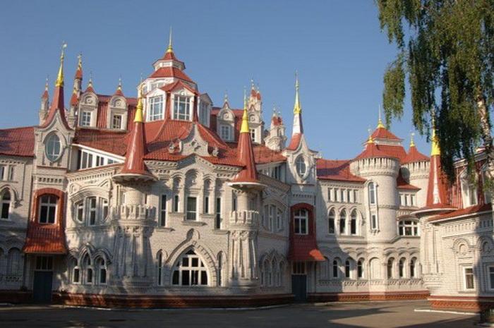 Обыкновенное чудо: школа-дворец в Йошкар-Оле (Россия)