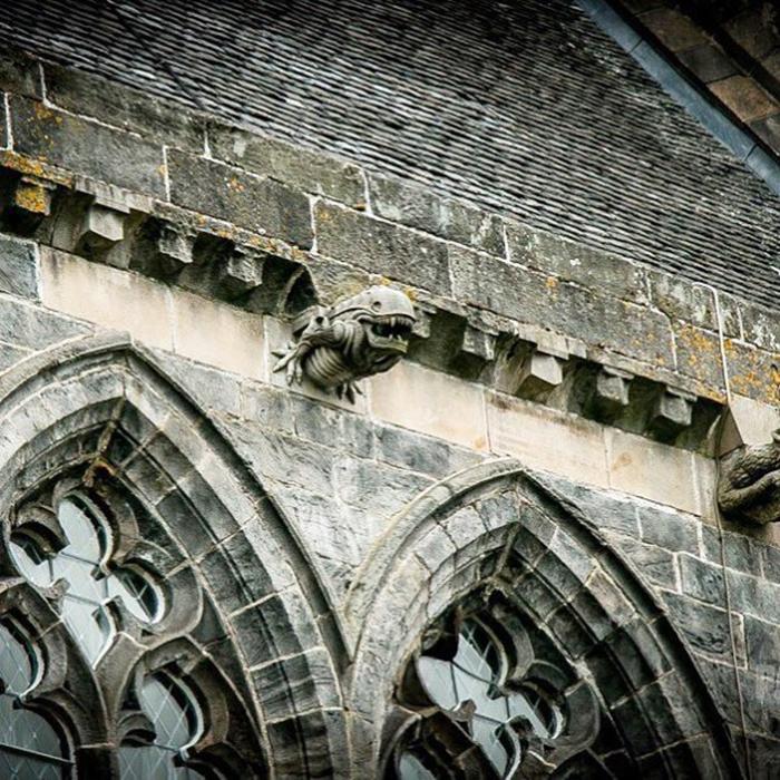 Загадочная гаргулья стала одной из достопримечательностей аббатства Пэйсли (Шотландия).