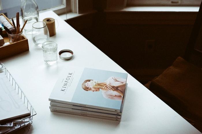 Цветы и мороженое для обложки журнала Kinfolk Magazine