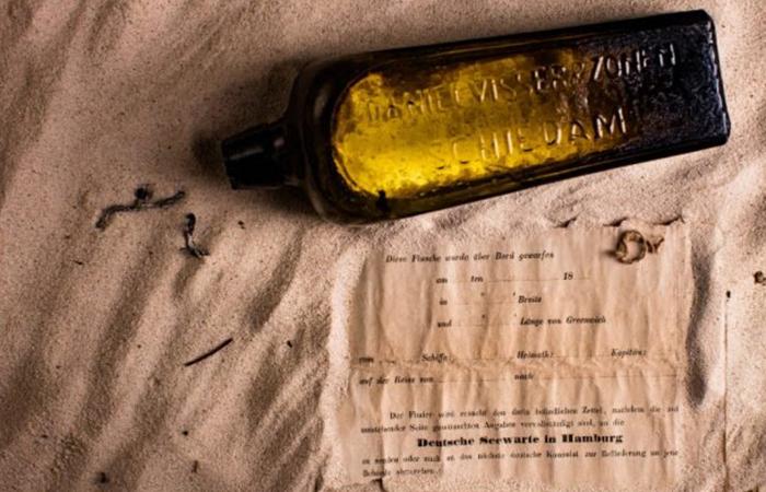 В Австралии найдено послание в бутылке, отправленное 132 года назад.