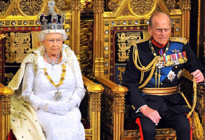 Елизавета и Филипп в Парламенте.