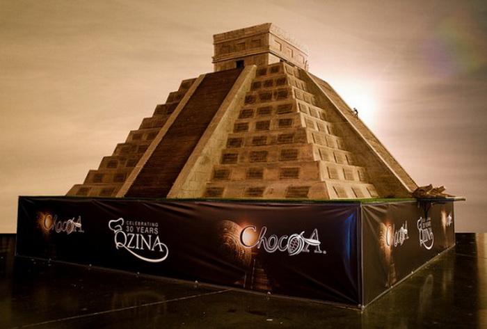 Шоколадная пирамида от Qzina Specialty Foods