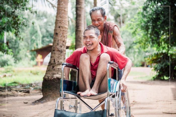Инвалидное кресло для одной из деревень.