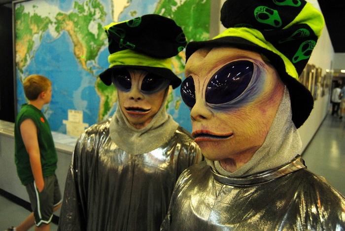 Космические пришельцы на фестивале Roswell UFO Festival