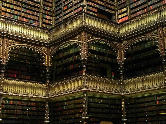 В фондах библиотеки 350 тысяч изданий