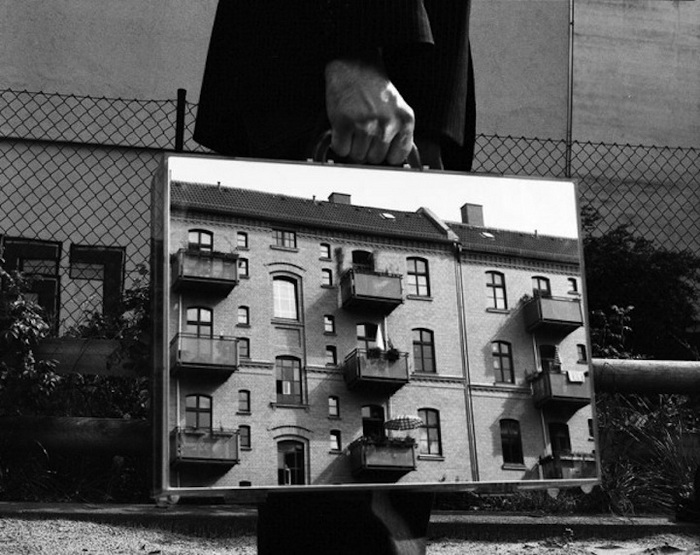 The Mirror Suitcase Man: фотоцикл от Rui Calcada Bastos