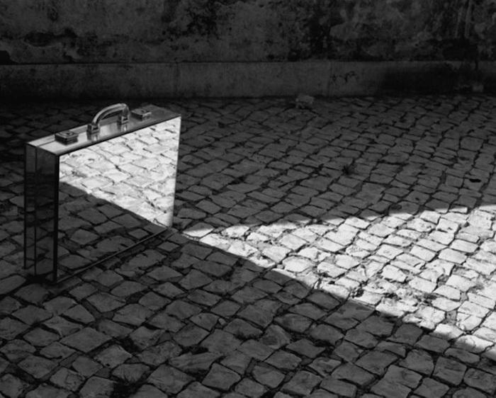 Зеркальные отражения в фотоцикле Rui Calcada Bastos