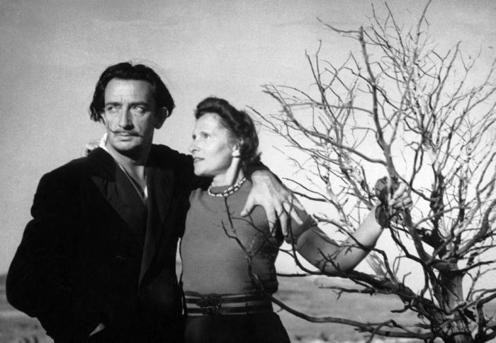 Сальвадор Дали и его русская жена Гала.