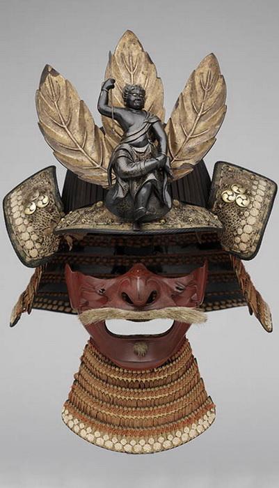 Остроконечный шлем судзибати кабуто 14 — 16 века и полумаска 16 — 17 века