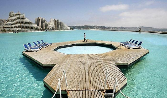 Самый большой в мире бассейн Сан-Альфонсо-дель-Мар на курорте Альгарробо в Чили